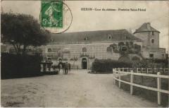 Nexon Cour du chateau Fontaine - Nexon