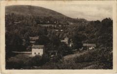 Saint-Julien-le-Petit Vue générale du moulin et le Mont-Larron - Saint-Julien-le-Petit