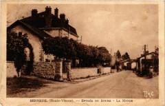 Berneuil - Entree du Bourg - La Mairie - Berneuil