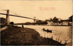 Tonnay-Charente - Le Pont suspendu et le Chateau qu'habita Mme de M - Tonnay-Charente