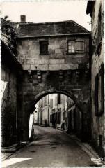 Jonzac - Rue Porte de Ville - Vieux Pont-Levis - Jonzac