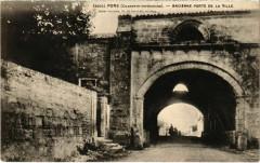 Pons - Ancienne Porte de la Ville - Pons