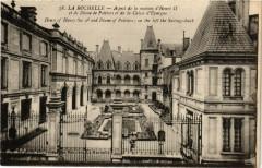 Aspect de la maison d'Henri II et de Diane de Poitiers et de la Caisse d'Epargne - La Rochelle