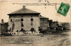 Fort Lupin entre Port-des-Barques et Saint-Nazaire-sur-Charente . - Port-des-Barques