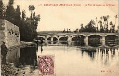 Lussac-les-Chateaux Le Pont de Lussac sur la Vienne - Lussac-les-Châteaux