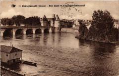 Chatellerault Pont Henri Vi et Quartier Chateauneuf - Châtellerault