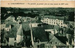 La Roche-Posay Vue partielle, du premier plan un vieux manoir - La Roche-Posay