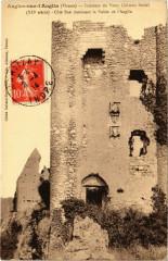 Angles-sur-l'Anglin - Intérieur du Vieux Chateau féodal - Angles-sur-l'Anglin