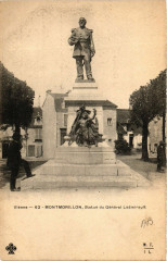 Montmorillon - Statue du General Ladmirault - Montmorillon
