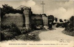 Mirebeau-de-Poitou - Restes de l'ancienne enceinte feodale - Mirebeau