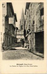 Airvault (Deux-Sevres) - Le Clocher de l'Eglise et la Rue Porte... - Airvault