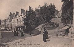 96. Blois. - Les Degrés et la Rue Denis-Papin (c.1905)  - Blois