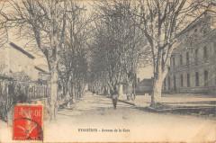 Eyguieres Avenue De La Gare - Eyguières