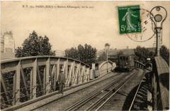 Station Allemagne, sur la voie - Paris 19e