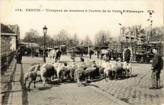 Troupeau de moutons à l'octroi de la Porte d'Allemagne - Paris 19e