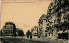 Avenue de Suffren, prise du Boulevard Garibaldi - Paris 15e