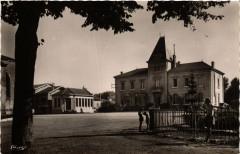 Villars-les-Dombes Place de l'Hotel de Ville - Villars-les-Dombes