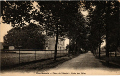 Marchenoir - Place du Marche - Ecole des Filles - Marchenoir