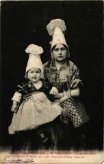 Coifles et Costumes anciens - En Pays d'Auge - La Grande Scoeur - Auge