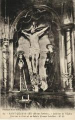 St Jean de Luz Interieur de l'Eglise ,Jesus sur la Croix France - Sus