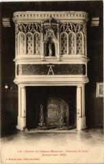 Chateau de chemaze .- Cheminee du salon - Chemazé