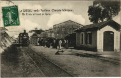 Le Gibeau par le Fouilloux Un train arrivant en Gare - Le Fouilloux