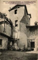 Aubeterre-sur-Dronne Tour des Apotres ou coucha Henri Iv - Aubeterre-sur-Dronne