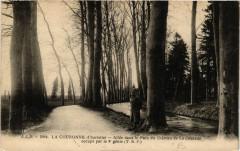 La Couronne - Allée ans le Parc du Chateau de La Courade - La Couronne