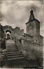 Airvault Entree du Vieux Chateau - Airvault