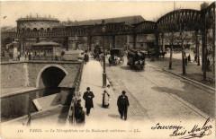 Le Métropolitain sur les Boulevards extérieurs - Paris 10e