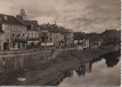 Montignac - sur - vézère, bords de la Vézère - Montignac