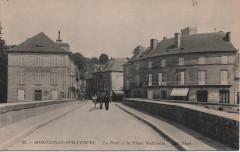 Le pont et la place Nationale - Montignac