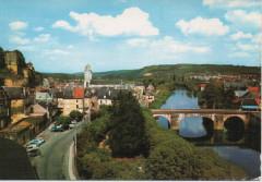 Vue générale le château et le pont - Montignac