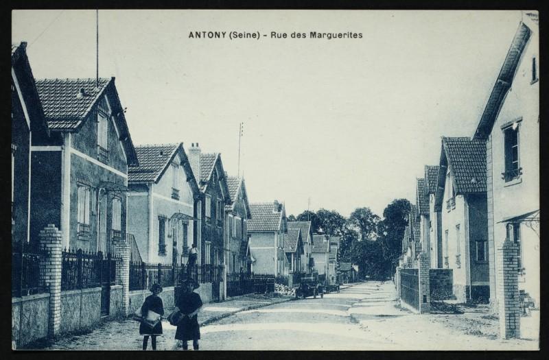 Carte postale ancienne Rue des Marguerites à Antony