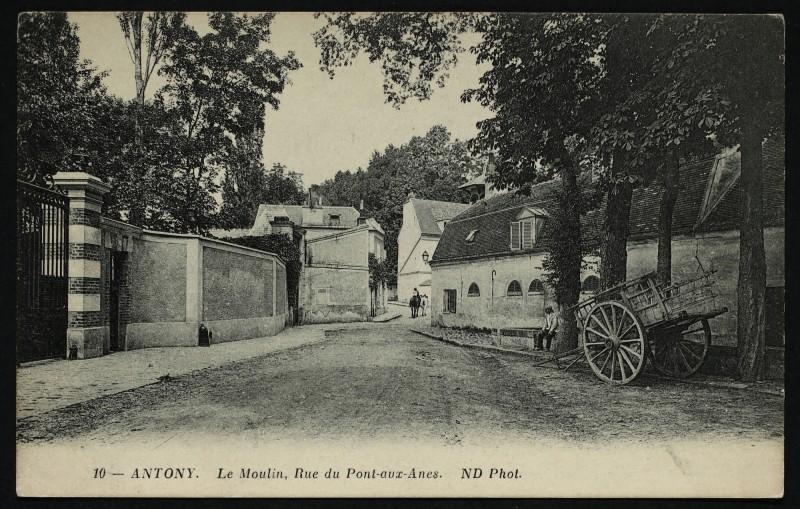 Carte postale ancienne Le Moulin - Rue du Pont-aux-Anes à Antony