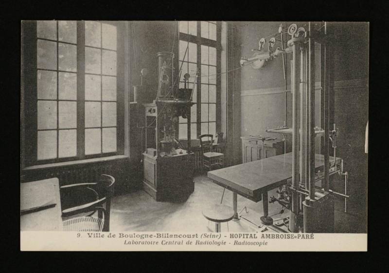 Carte postale ancienne Hôpital Ambroise-Paré - Laboratoire Central de Radiologie - Radioscopie à Boulogne-Billancourt