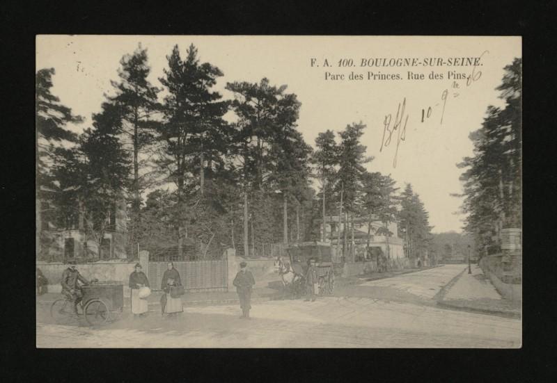 Carte postale ancienne Parc des Princes . Rue des Pins à Boulogne-Billancourt