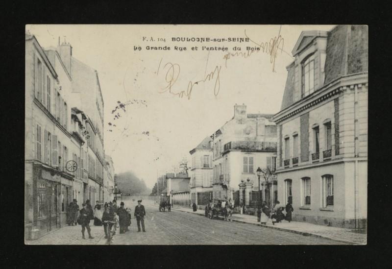 Carte postale ancienne La Grande Rue et l'entrée du Bois à Boulogne-Billancourt
