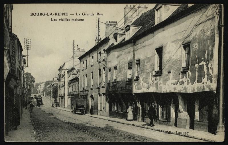 Carte postale ancienne La Grande-Rue Les vieilles maisons à Bourg-la-Reine