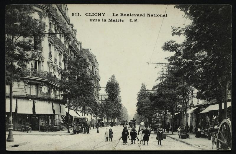 Carte postale ancienne Le Boulevard National vers la Mairie à Clichy