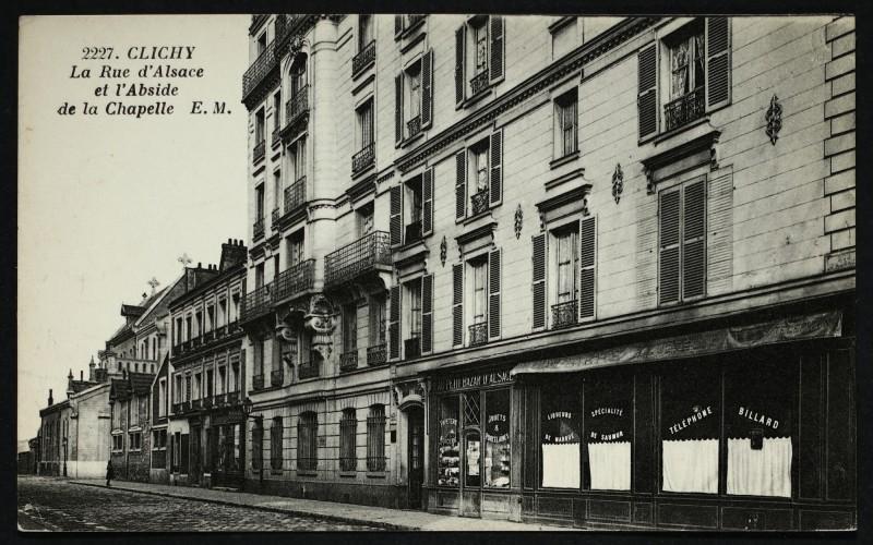 Carte postale ancienne La Rue d'Alsace et l'Abside de la Chapelle à Clichy