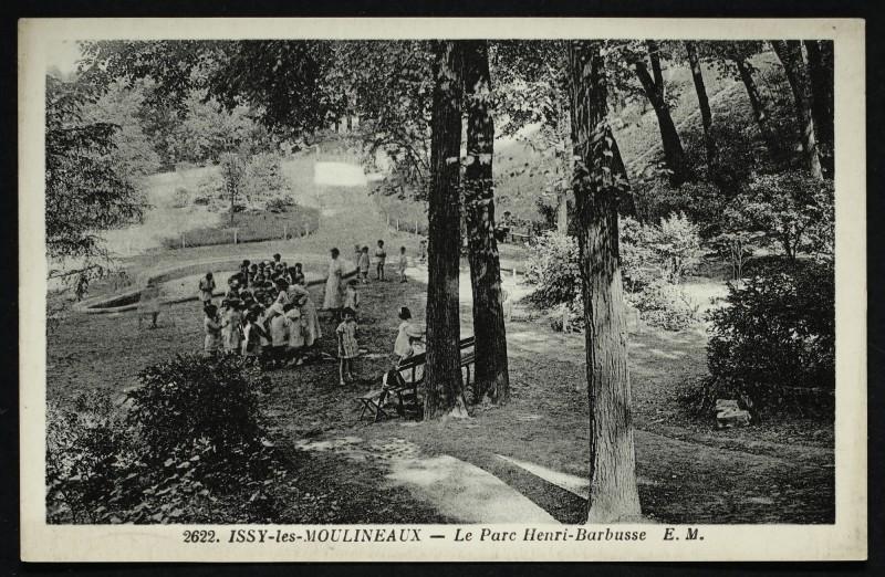 Carte postale ancienne Le Parc Henri-Barbusse à Issy-les-Moulineaux
