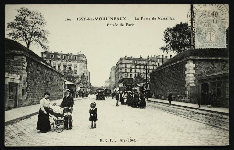 Carte postale ancienne La Porte de Versailles. Entrée de Paris à Paris 15e