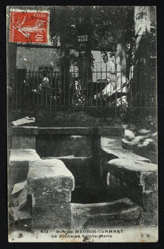 Carte postale ancienne Bois de Meudon-Clamart - la Fontaine Sainte -Marie à Meudon