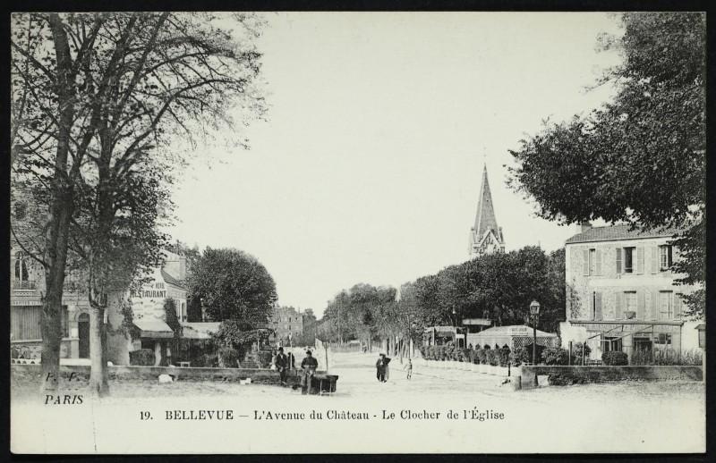 Carte postale ancienne Bellevue - L'Avenue du Château - Le Clocher de l'Eglise à Meudon