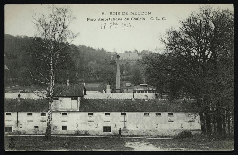 Carte postale ancienne Bois de Meudon - Parc aérostatique de Chalais à Meudon