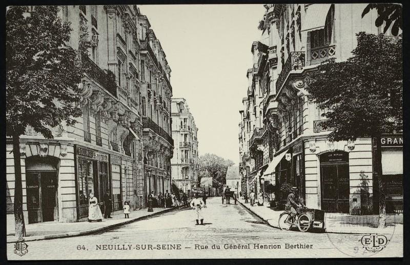 Carte postale ancienne Rue du Général henrion Berthier à Neuilly-sur-Seine