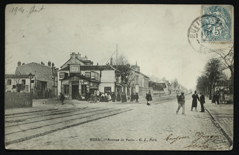 Carte postale ancienne Avenue de Paris à Rueil-Malmaison