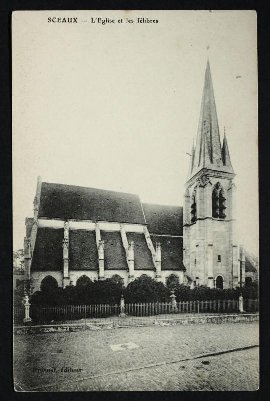 Carte postale ancienne L'Eglise et les félibres à Sceaux