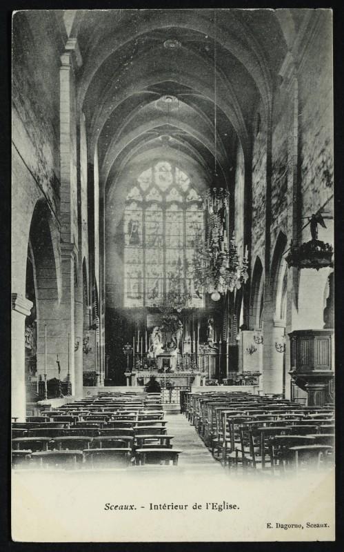 Carte postale ancienne Intérieur de l'Eglise à Sceaux